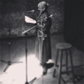 Maria Nicola legge e traduce live Bolaño