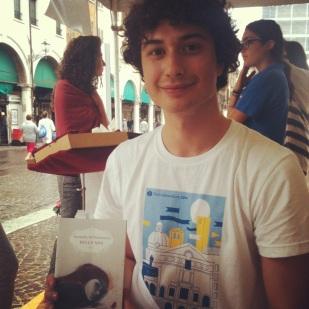 326-Lorenzo ascolta musica per paesaggi